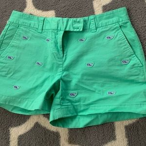Vineyard vines whale shorts size 2